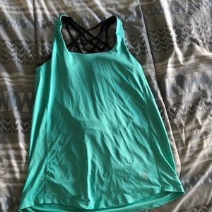 Tops - Yoga tank top with built in bra